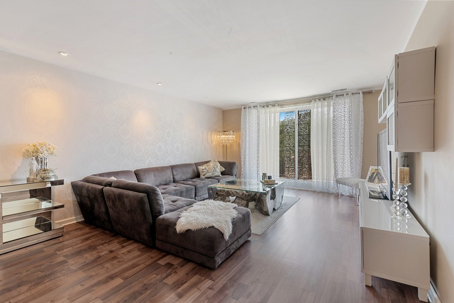 Real Estate Photography - 7601 N Lincoln, Skokie, IL, 60077 - Living Room