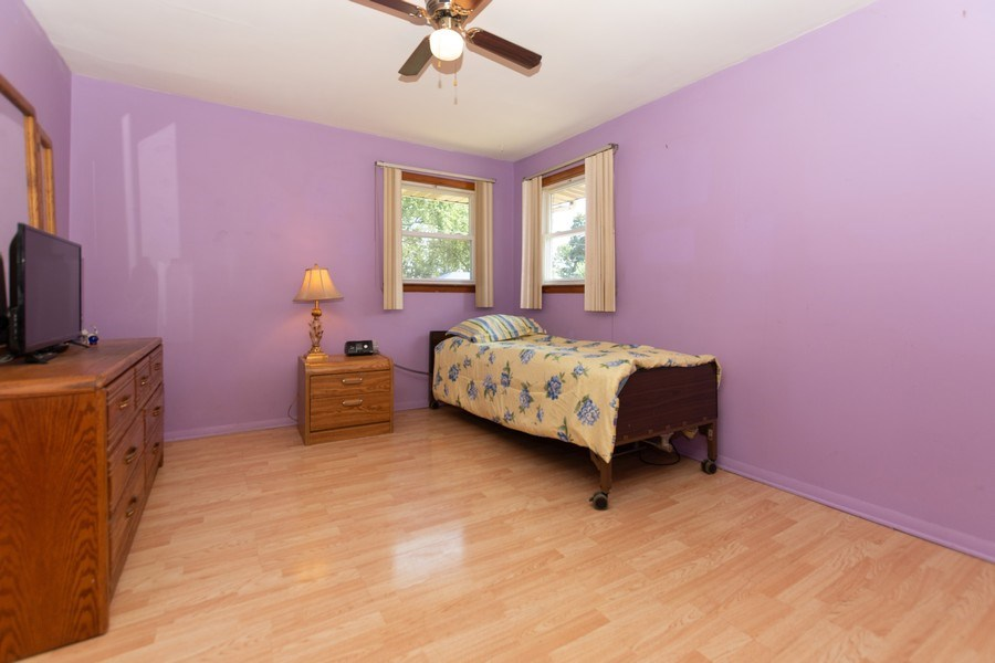 Real Estate Photography - 8930 W. 93rd Place, Hickory Hills, IL, 60465 - 2nd Bedroom