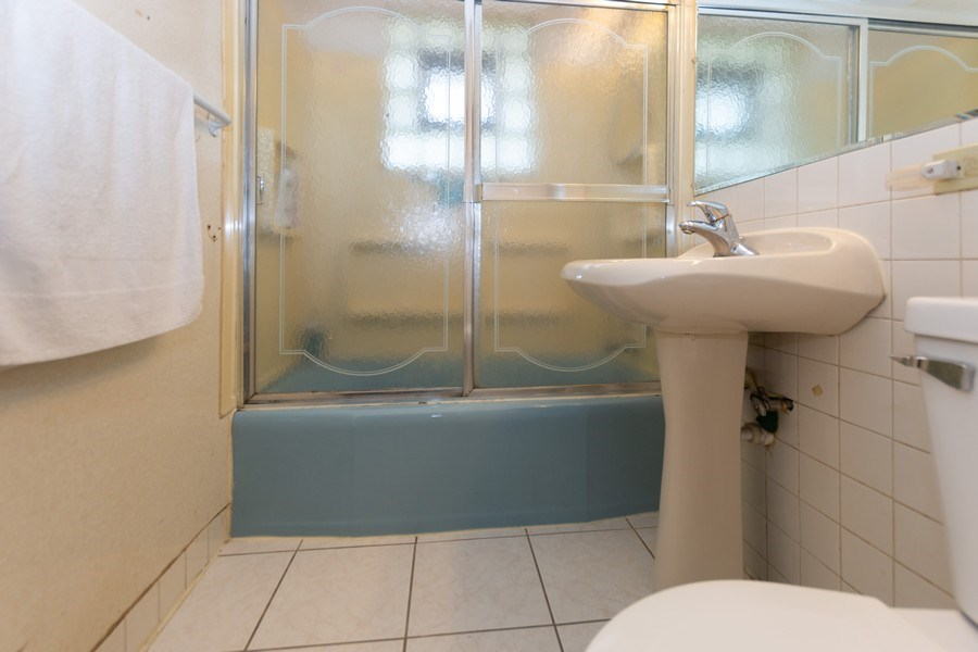 Real Estate Photography - 8930 W. 93rd Place, Hickory Hills, IL, 60465 - Bathroom