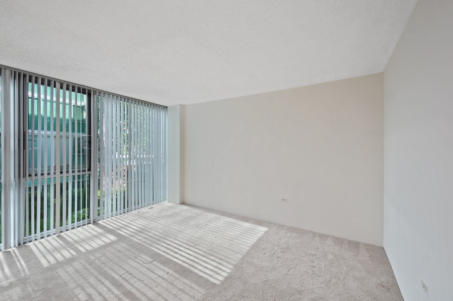 Real Estate Photography - 3115 S Michigan Unit 203, Chicago, IL, 60616 - Master Bedroom