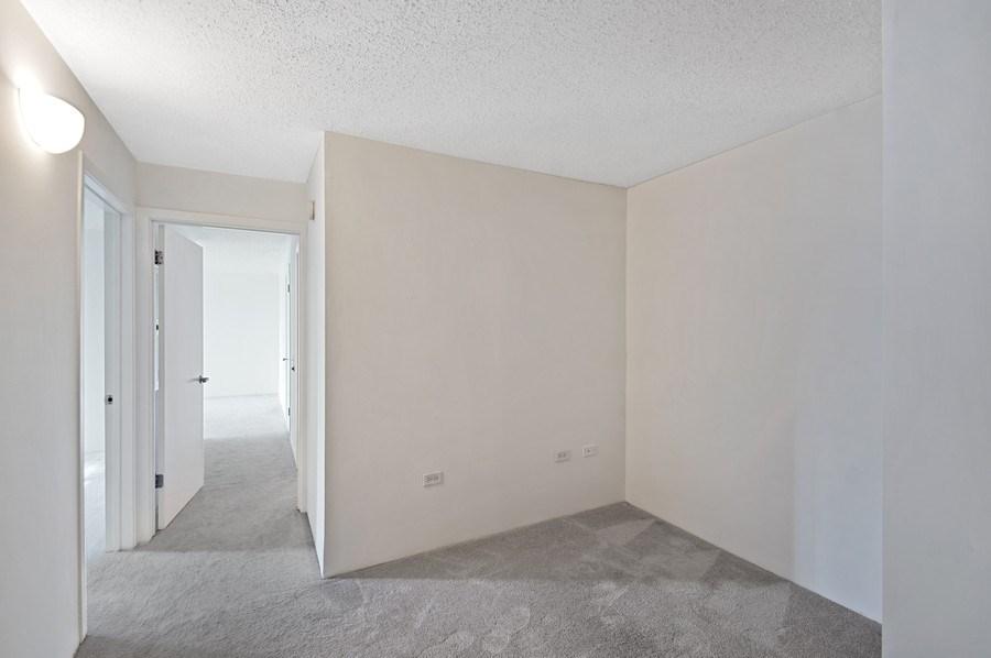 Real Estate Photography - 3115 S Michigan Unit 203, Chicago, IL, 60616 - Den