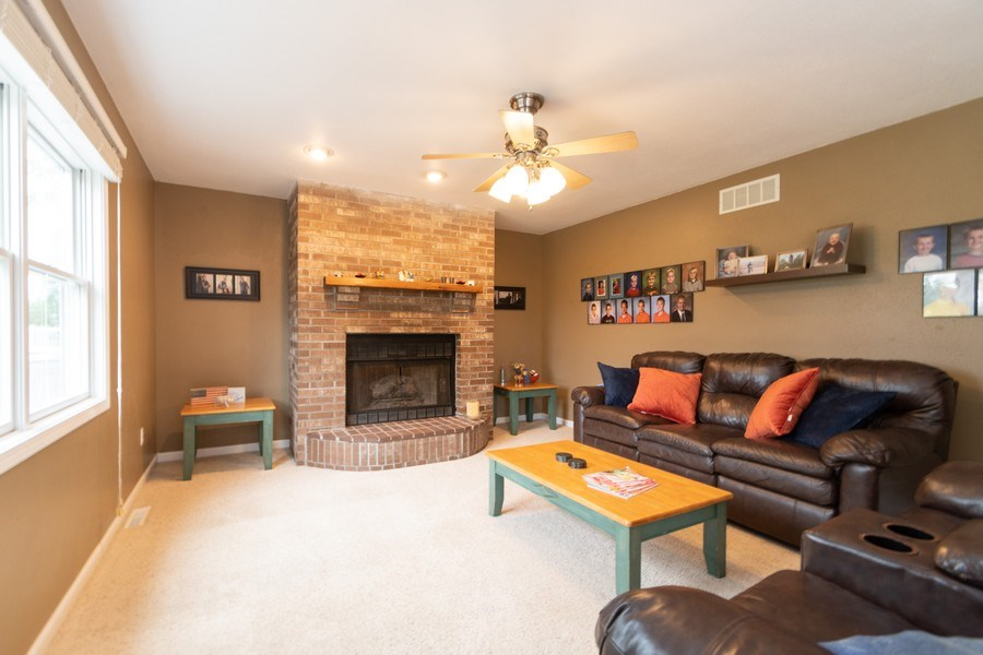 Real Estate Photography - 18761 Spring Creek Street, New Lenox, IL, 60451 - Family Room
