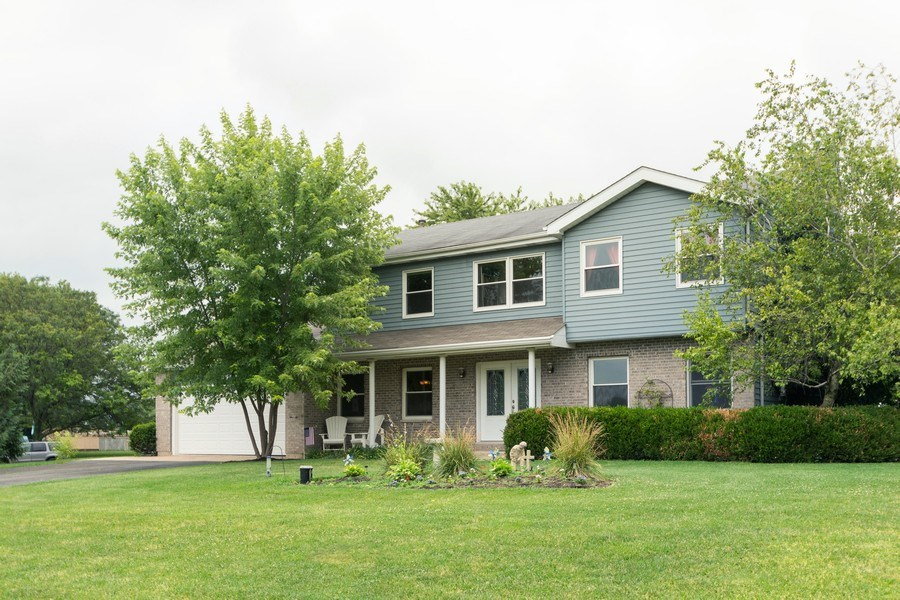 Real Estate Photography - 18761 Spring Creek Street, New Lenox, IL, 60451 - Front View