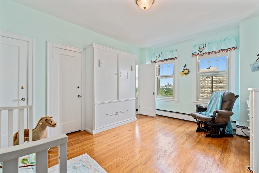 Real Estate Photography - 5000 S East End Ave, Apt 17 D, Chicago, IL, 60615 - 2nd Bedroom