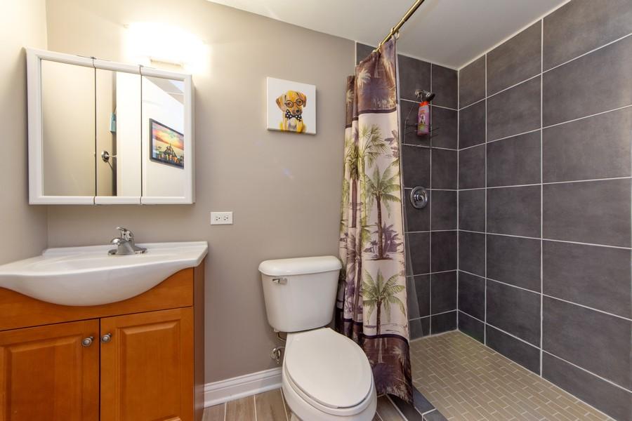 Real Estate Photography - 741 Brighton Cir, Barrington, IL, 60010 - Lower Level Full Bath