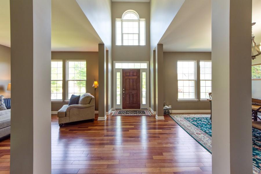 Real Estate Photography - 741 Brighton Cir, Barrington, IL, 60010 - Foyer