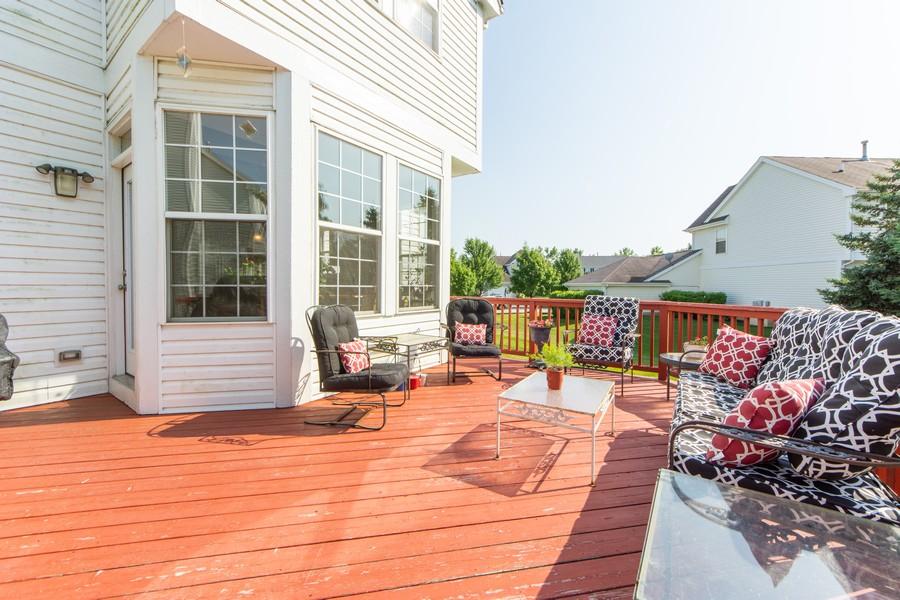 Real Estate Photography - 741 Brighton Cir, Barrington, IL, 60010 - Deck