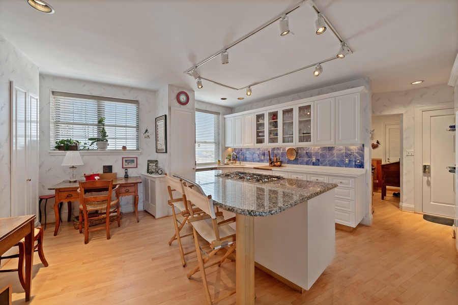 Real Estate Photography - 3800 N Lakeshore Drive, 11A, Chicago, IL, 60613 -