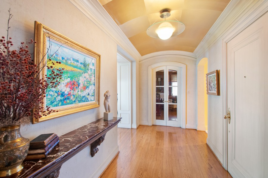 Real Estate Photography - 3800 N Lakeshore Drive, 11A, Chicago, IL, 60613 - Foyer