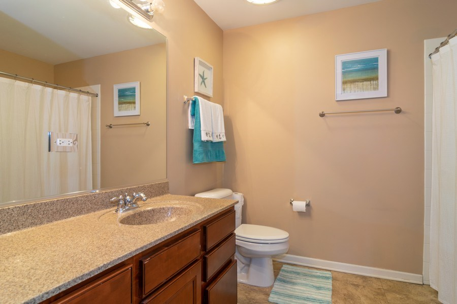 Real Estate Photography - 845 E 22nd St, unit 206, Lombard, IL, 60148 - Master Bathroom