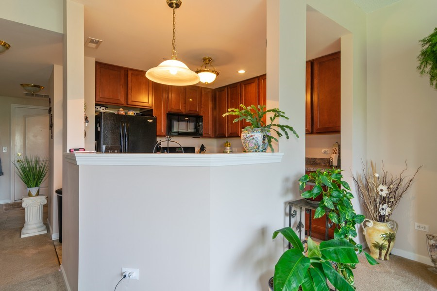 Real Estate Photography - 845 E. 22nd St., unit 206, Lombard, IL, 60148 - Kitchen