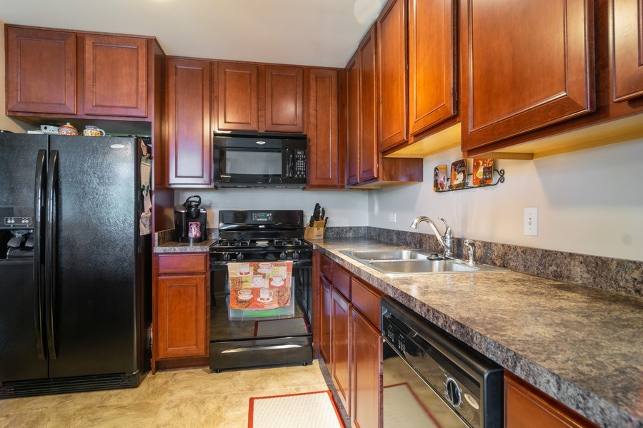 Real Estate Photography - 845 E 22nd St, unit 206, Lombard, IL, 60148 - Kitchen