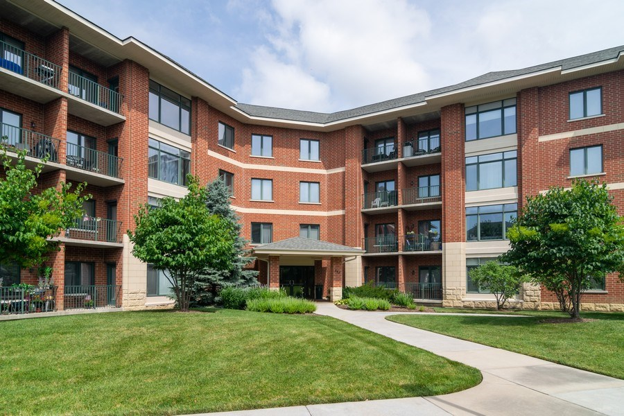 Real Estate Photography - 845 E. 22nd St., unit 206, Lombard, IL, 60148 - Front View