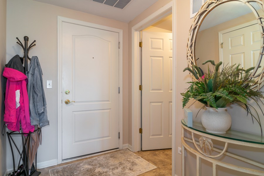 Real Estate Photography - 845 E. 22nd St., unit 206, Lombard, IL, 60148 - Entryway