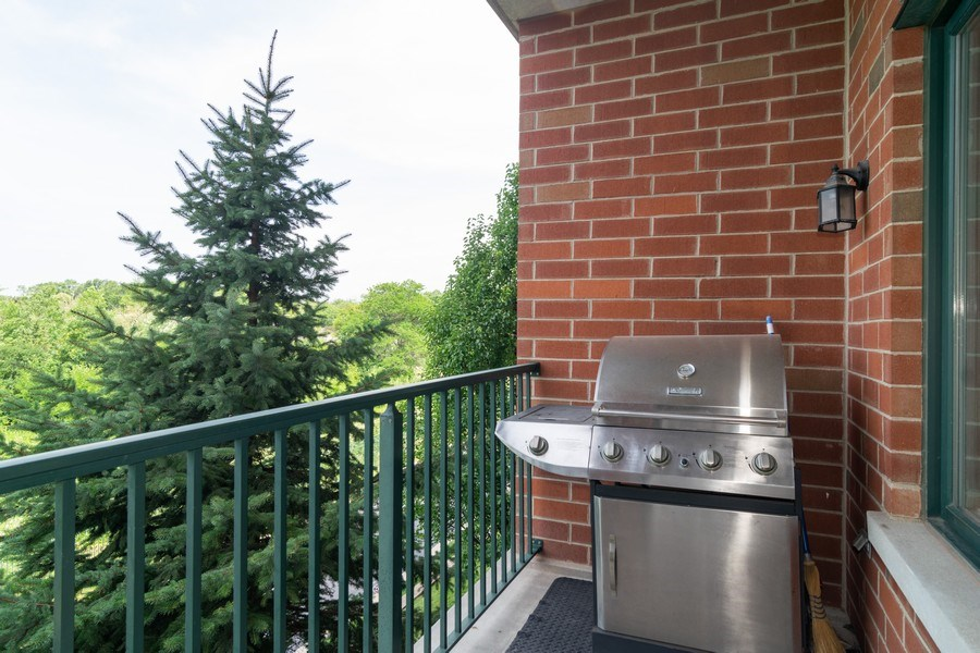 Real Estate Photography - 845 E 22nd St, unit 206, Lombard, IL, 60148 - Balcony
