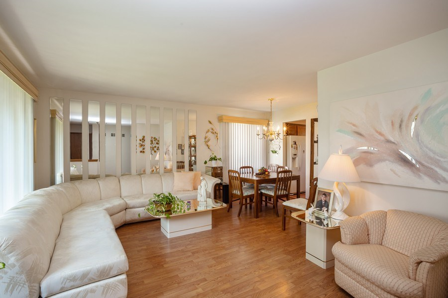 Real Estate Photography - 648 W. Eggerding, Addison, IL, 60101 - Living Room