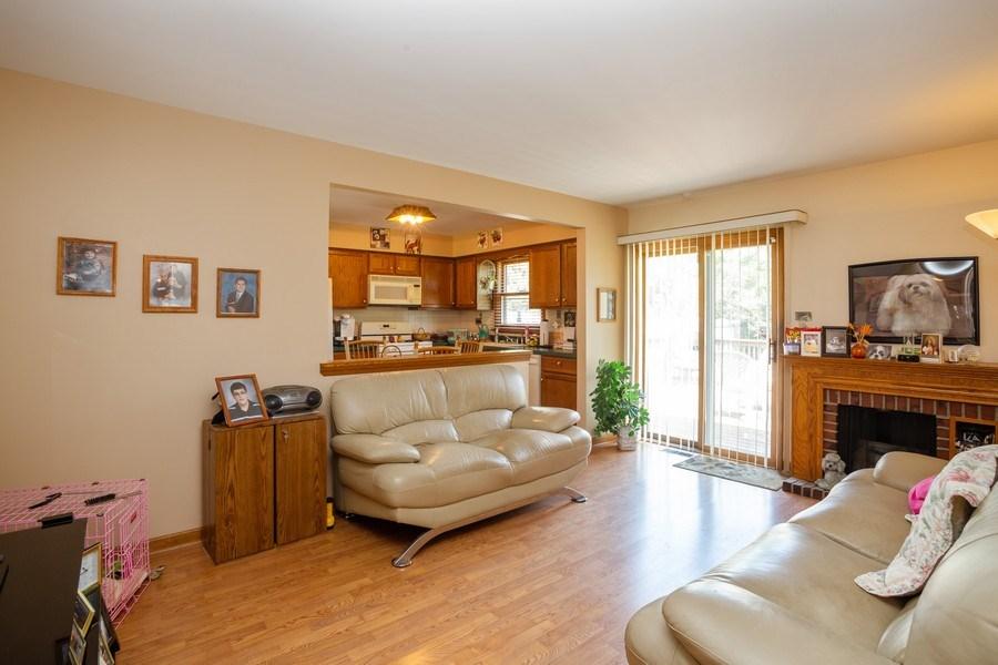 Real Estate Photography - 648 W. Eggerding, Addison, IL, 60101 - Family Room
