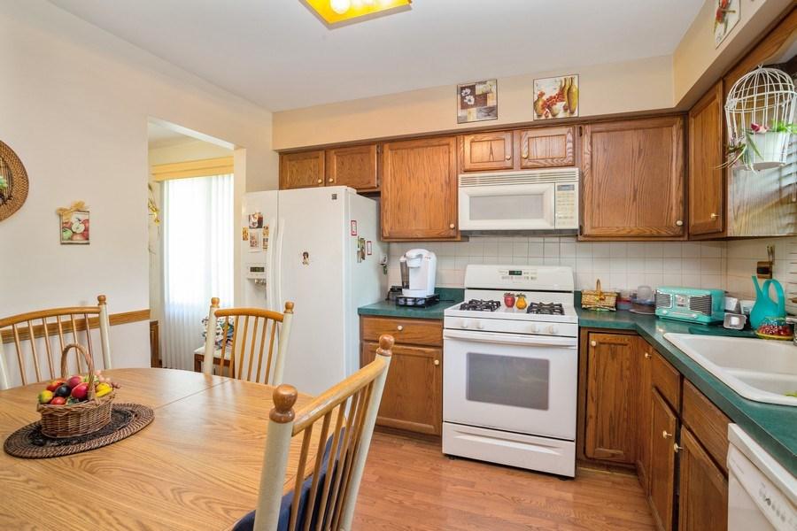 Real Estate Photography - 648 W. Eggerding, Addison, IL, 60101 - Kitchen