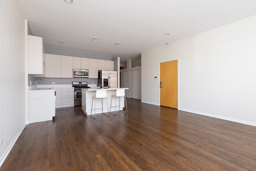 Real Estate Photography - 1633 N. Western-#2N, Chicago, IL, 60647 - Kitchen/Living