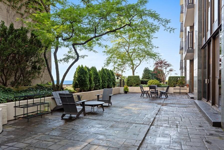 Real Estate Photography - 1420 Sheridan #1I, Wilmette, IL, 60091 - Terrace