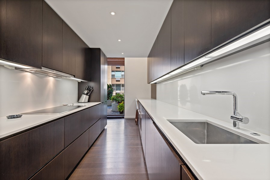 Real Estate Photography - 1420 Sheridan #1I, Wilmette, IL, 60091 - Kitchen