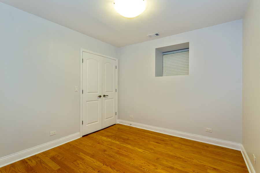 Real Estate Photography - 928 W Eastwood, Unit 1E, Chicago, IL, 60640 - Bedroom