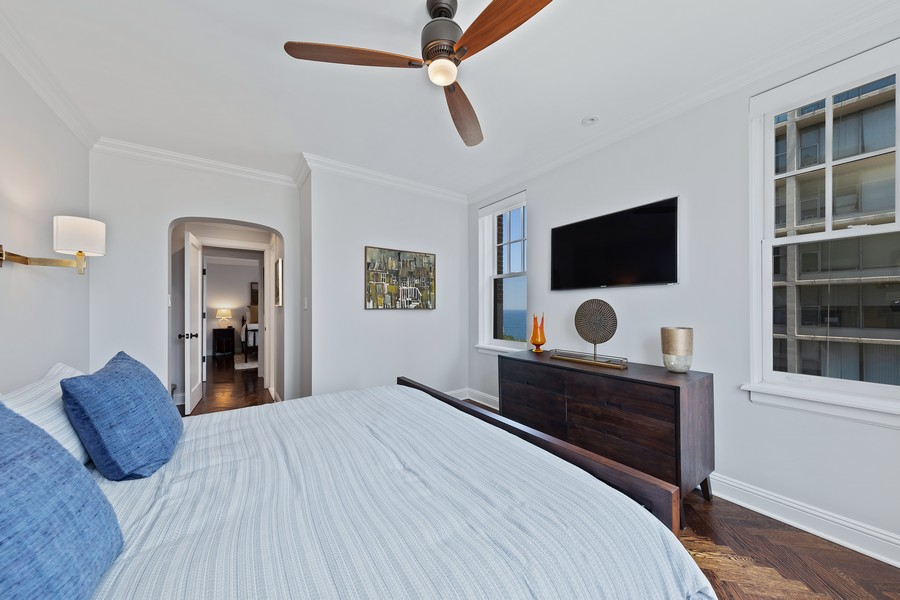 Real Estate Photography - 421 W Melrose #20C, Chicago, IL, 60657 - Master Bedroom