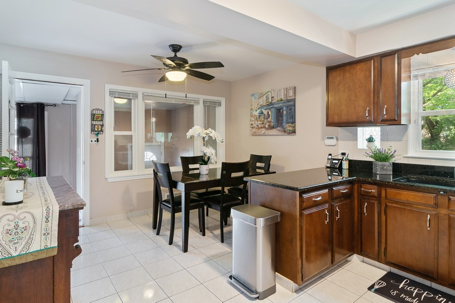 Real Estate Photography - 3101 N. Octavia Ave., Chicago, IL, 60707 - Kitchen