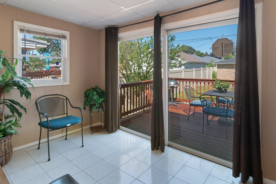 Real Estate Photography - 3101 N. Octavia Ave., Chicago, IL, 60707 - Sun Room