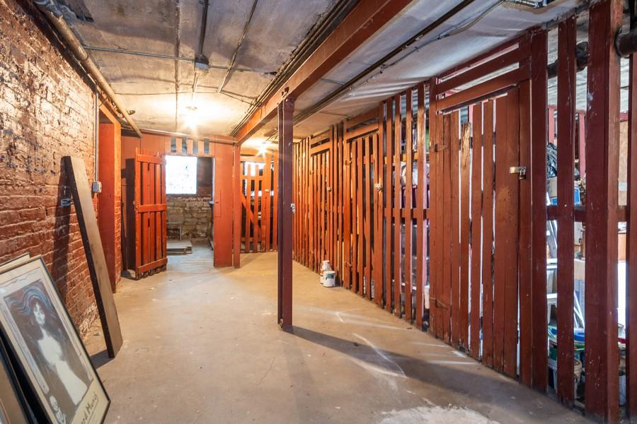 Real Estate Photography - 823 W Belle Plaine, #2, Chicago, IL, 60657 - Basement