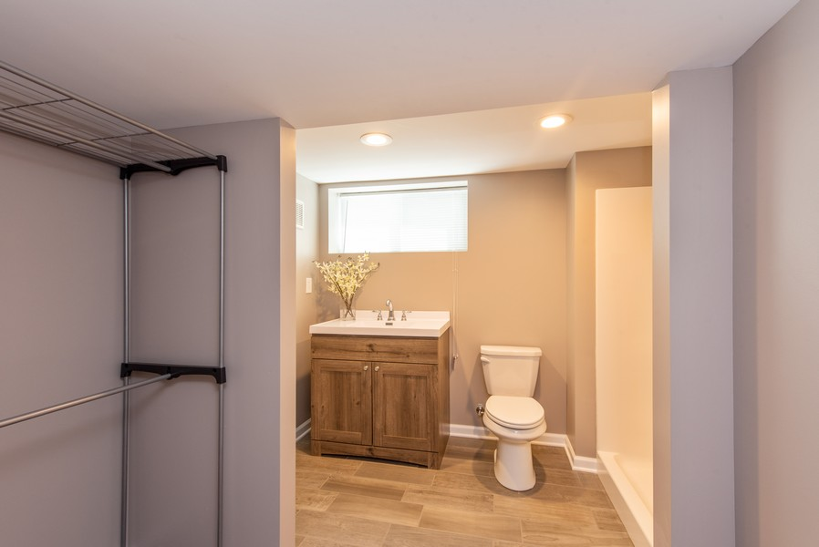 Real Estate Photography - 9403 Blaine, Crown Point, IN, 46307 - 2nd Bathroom