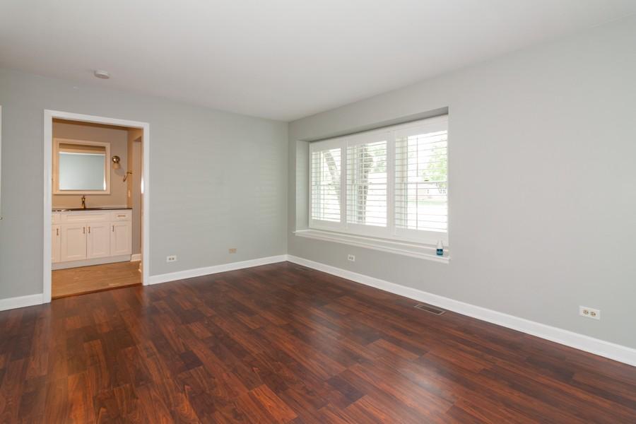 Real Estate Photography - 325 Stratford Court, Aurora, IL, 60504 - Master Bedroom