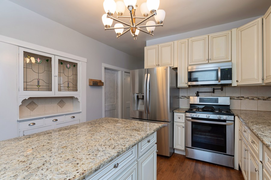 Real Estate Photography - 3946 Euclid Ave, Stickney, IL, 60402 - Kitchen