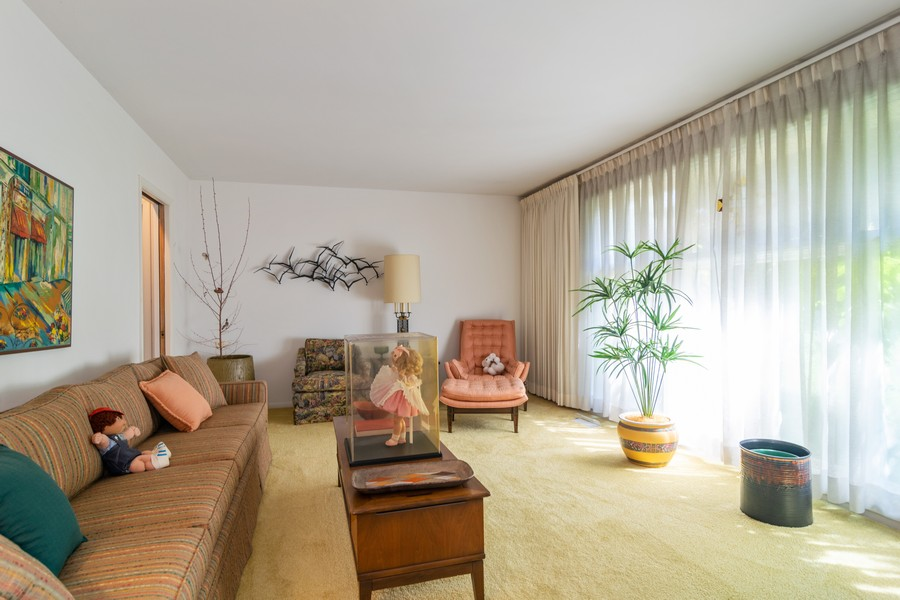 Real Estate Photography - 425 Locust, Roselle, IL, 60172 - Living Room