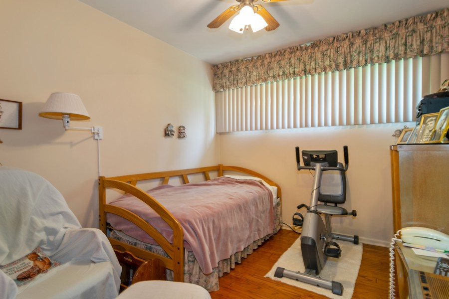 Real Estate Photography - 425 Locust, Roselle, IL, 60172 - Bedroom