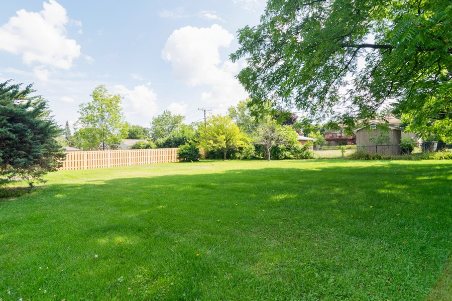 Real Estate Photography - 425 Locust, Roselle, IL, 60172 - Back Yard
