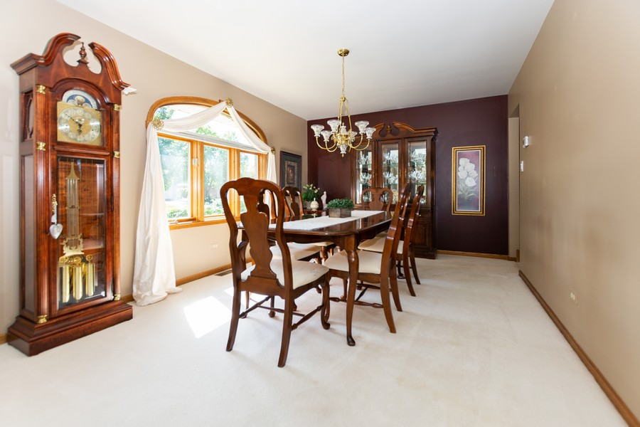 Real Estate Photography - 8907 Patty, Orland Park, IL, 60462 - Dining Room