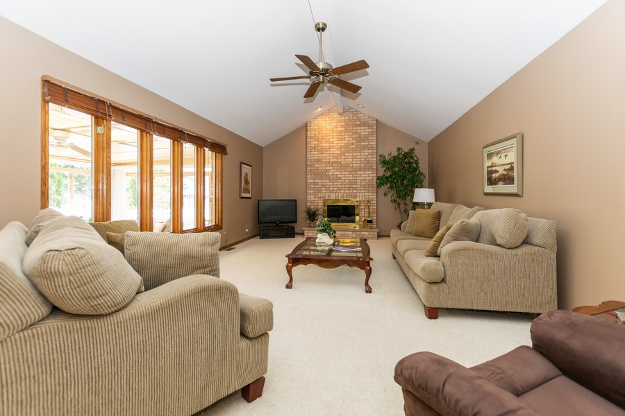 Real Estate Photography - 8907 Patty, Orland Park, IL, 60462 - Family Room
