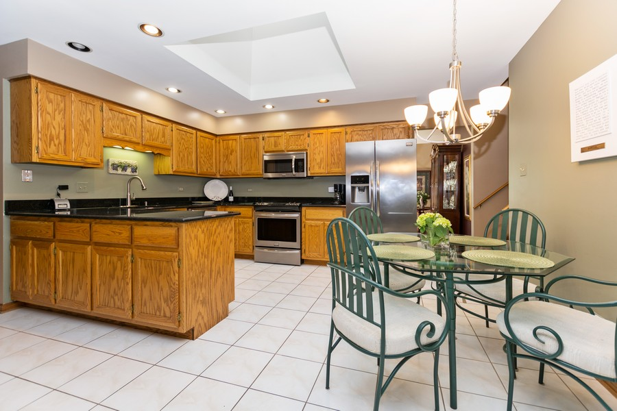 Real Estate Photography - 8907 Patty, Orland Park, IL, 60462 - Kitchen