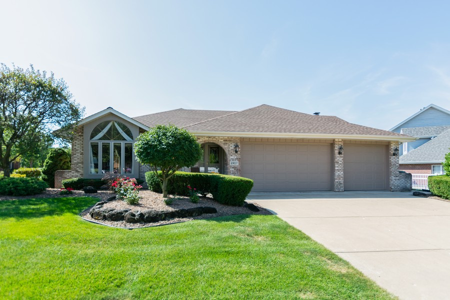 Real Estate Photography - 8907 Patty, Orland Park, IL, 60462 - Front View