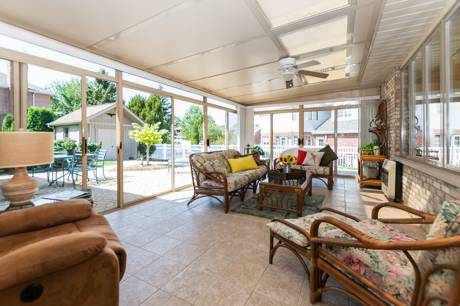 Real Estate Photography - 8907 Patty, Orland Park, IL, 60462 - Sun Room