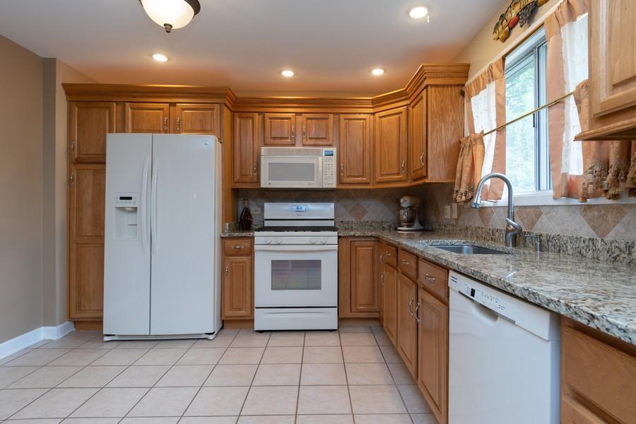 Real Estate Photography - 317 Drake, Bolingbrook, IL, 60490 - Kitchen