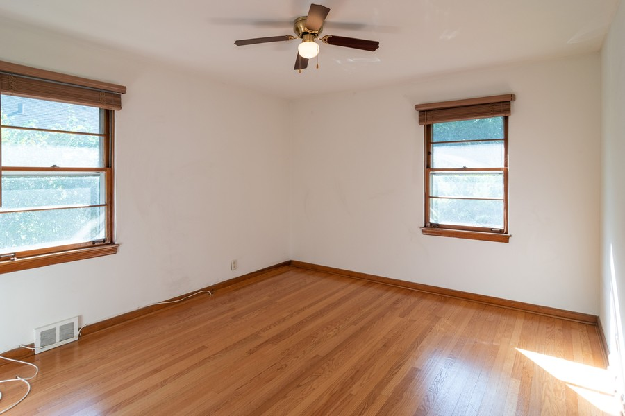 Real Estate Photography - 435 Selborne Rd, Riverside, IL, 60546 - Master Bedroom