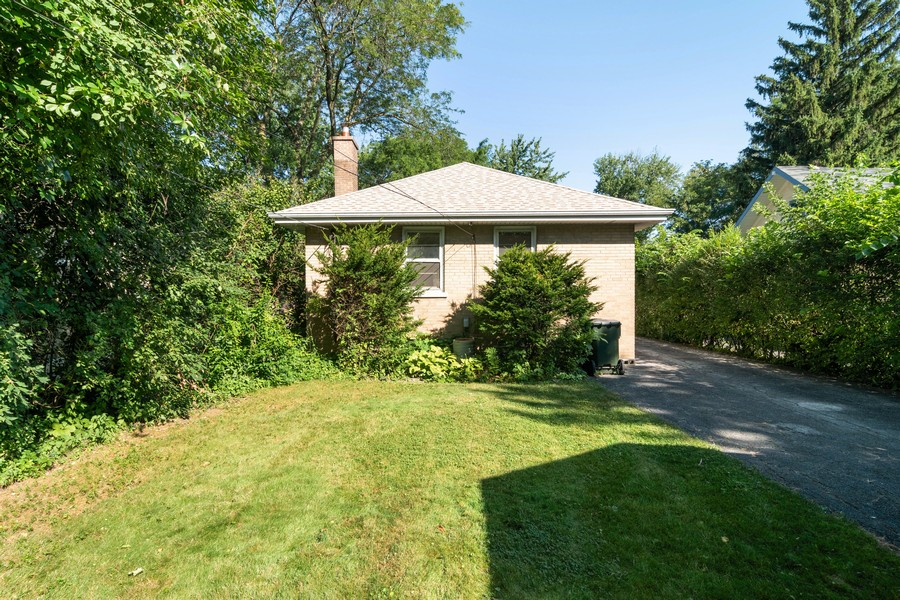 Real Estate Photography - 435 Selborne Rd, Riverside, IL, 60546 - Rear View