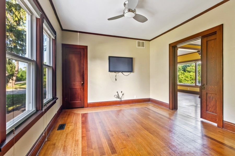 Real Estate Photography - 236 Oak St, Frankfort, IL, 60423 - Family Room