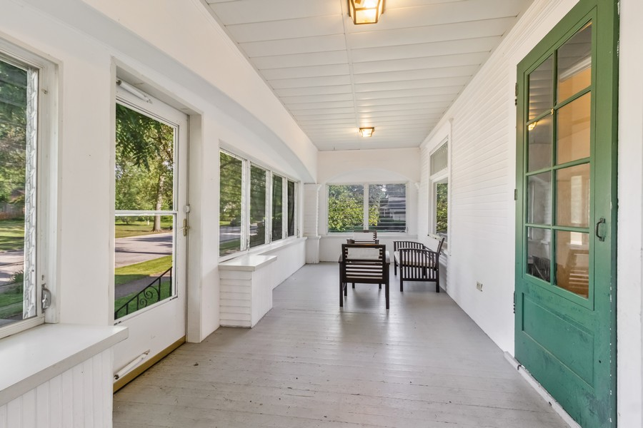 Real Estate Photography - 236 Oak St, Frankfort, IL, 60423 - Front Porch