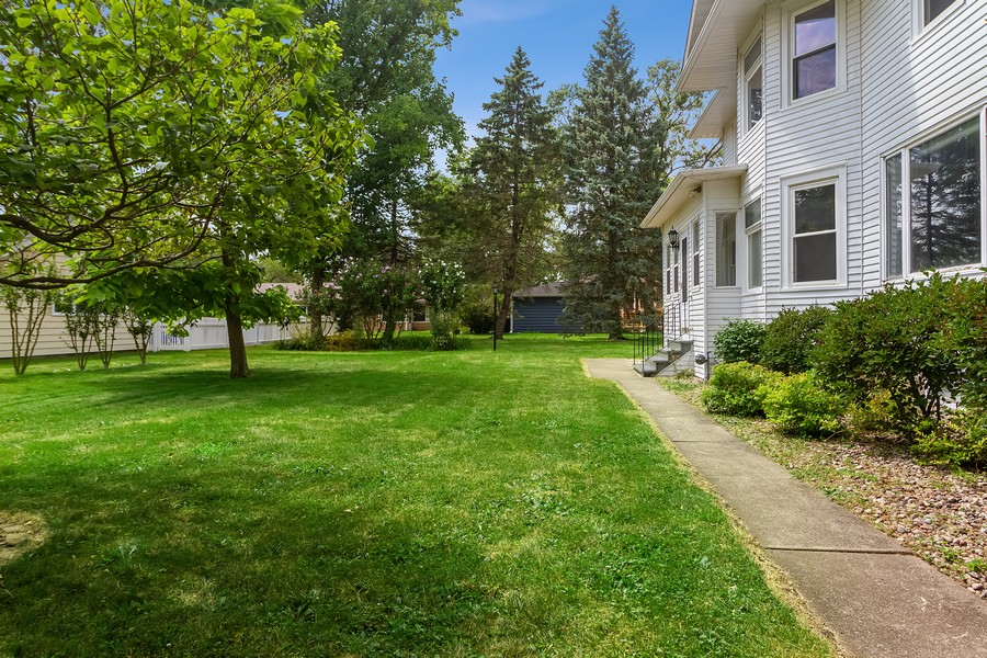 Real Estate Photography - 236 Oak St, Frankfort, IL, 60423 - Side View