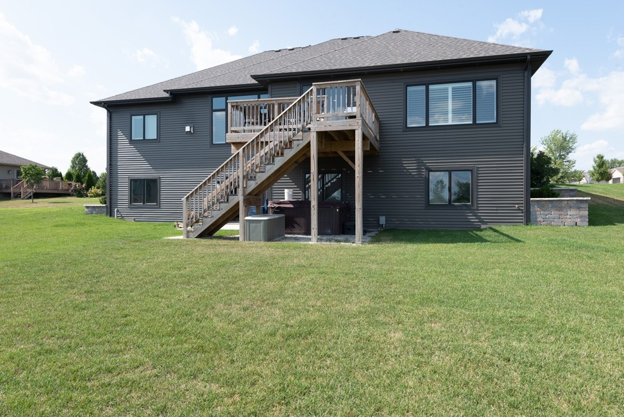 Real Estate Photography - 10311 West 99th Avenue, St. John, IN, 46373 - Side View