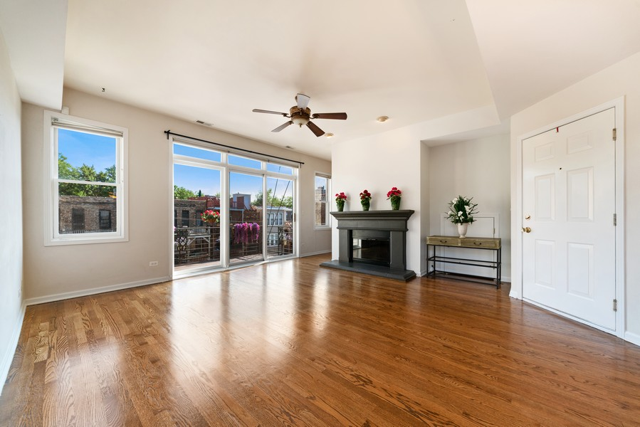 Real Estate Photography - 727 W Belmont Ave., #10, Chicago, IL, 60657 - Living Room