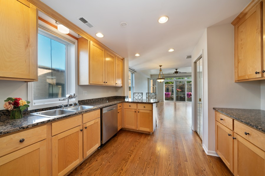Real Estate Photography - 727 W Belmont Ave., #10, Chicago, IL, 60657 - Kitchen